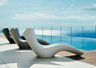 B-mueble-exterior-diseño-tumbona-surf-karimrashid-vondom[1]